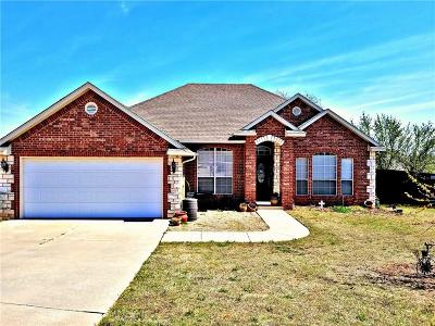 Blanchard OK Single Family Home For Sale: $168,000