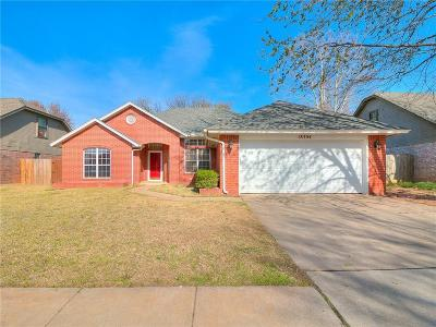 Single Family Home For Sale: 18304 Chestnut Oak Drive Drive