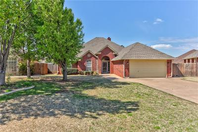 Single Family Home For Sale: 15629 Sugar Loaf Drive