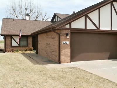 Chickasha Condo/Townhouse For Sale: 3201 Brookridge