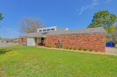 Norman Single Family Home For Sale: 2011 Oakhurst Avenue
