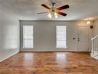 Oklahoma County Condo/Townhouse For Sale: 3011 W Wilshire