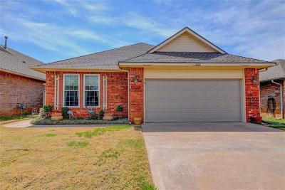 Oklahoma City Single Family Home For Sale: 524 SW 123rd Place