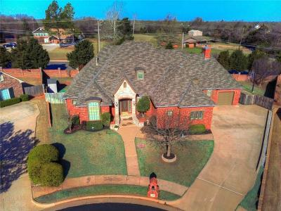 Edmond Single Family Home For Sale: 1501 Inwood Circle