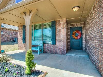 Harrah Single Family Home For Sale: 20663 Frontier Place