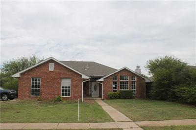 Norman Single Family Home For Sale: 2401 Larkhaven Street