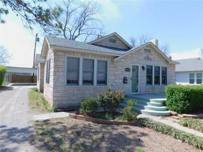 Shawnee Single Family Home For Sale: 908 Overland Court