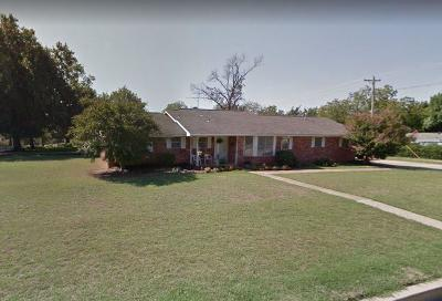 Shawnee Single Family Home For Sale: 201 W Federal
