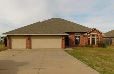Purcell Single Family Home For Sale: 2217 Headwind Drive