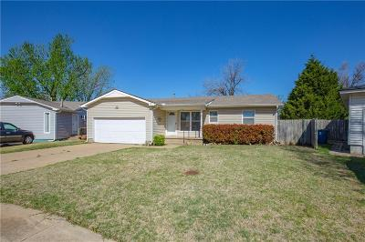 Edmond Single Family Home For Sale: 85 Shirley Ln