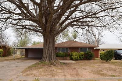 Midwest City Single Family Home For Sale: 801 E Bouse Drive