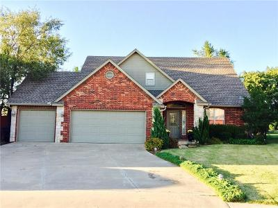 Moore Single Family Home For Sale: 105 Wesley Circle
