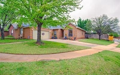 Edmond OK Single Family Home For Sale: $197,000