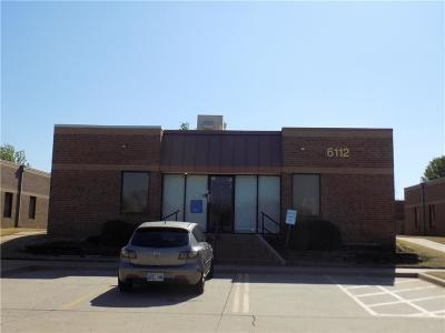 Oklahoma City Commercial For Sale: 6112 NW Warr Acres Street #6112
