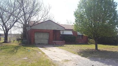 Stroud OK Single Family Home For Sale: $39,900