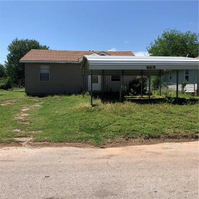 Anadarko Single Family Home For Sale: 916 SW 4th Street