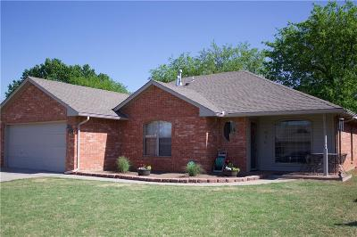 Moore Single Family Home For Sale: 1120 NE 8th