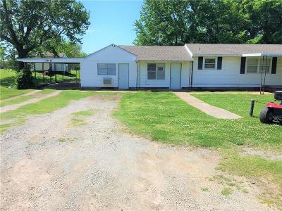 Stroud Single Family Home For Sale: 222 W Oak Street