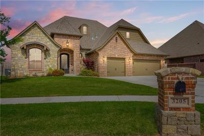 Moore Single Family Home For Sale: 3205 Sycamore Drive