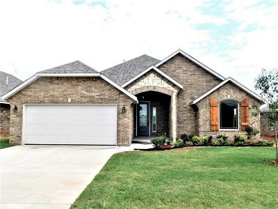 Moore Single Family Home For Sale: 3504 Lakeside Drive