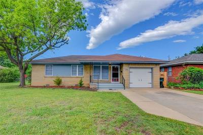 Norman Single Family Home For Sale: 736 Highland Parkway