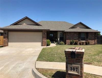 Edmond Single Family Home For Sale: 307 Pacific Crest Trail