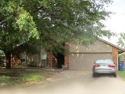 Edmond Single Family Home For Sale: 2916 Fairfield