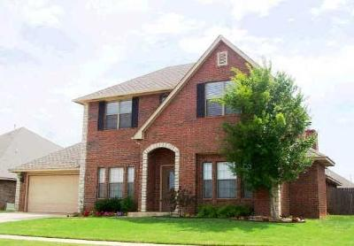 Edmond OK Single Family Home For Sale: $279,500