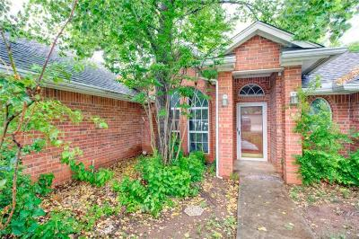 Edmond Single Family Home For Sale: 2511 Pine Vly