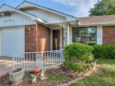 Oklahoma City Single Family Home For Sale: 2121 SW 60th Street