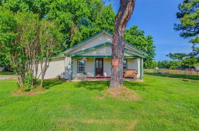 Shawnee Single Family Home For Sale: 120 Pontotoc Street