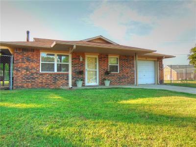 McLoud Single Family Home For Sale: 5 Sue Lane