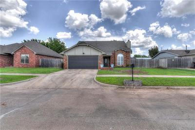 Moore Single Family Home For Sale: 3804 Phillips Street