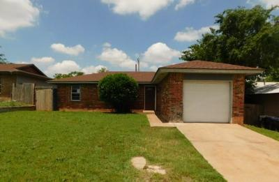 Canadian County, Oklahoma County Single Family Home For Sale: 1617 SE 52nd Street