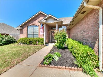 Midwest City Single Family Home For Sale: 700 Crescent Circle