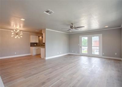 Oklahoma City Condo/Townhouse For Sale: 4400 Hemingway Drive #266