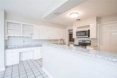 Oklahoma City Single Family Home For Sale: 3137 Elmwood