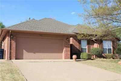 Purcell Single Family Home For Sale: 909 Blue Bird