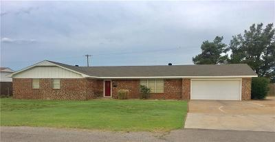 Sayre Single Family Home For Sale: 413 Spurlin
