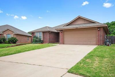 Oklahoma City Single Family Home For Sale: 5525 Crooked Creek Road