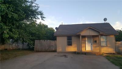 Purcell Single Family Home For Sale: 718 W Brule
