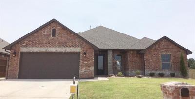 Warr Acres Single Family Home For Sale: 5526 Painted Pony Road
