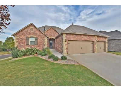 Edmond Single Family Home For Sale: 716 Dunes Circle