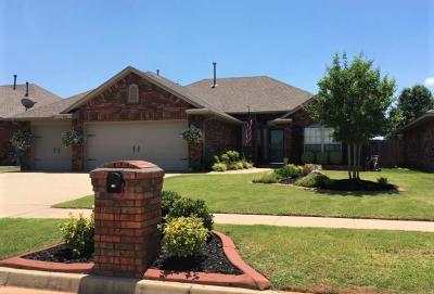 Mustang Single Family Home For Sale: 540 E Forest Lane