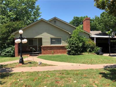 Blanchard Single Family Home For Sale: 711 N Main
