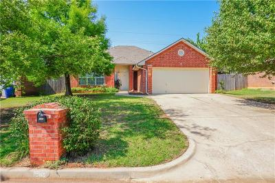 Noble Single Family Home For Sale: 705 Woodbriar