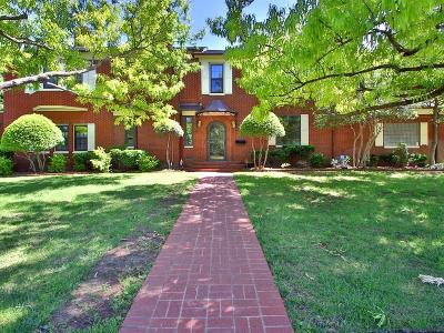 Nichols Hills Single Family Home For Sale: 1310 Camden Way