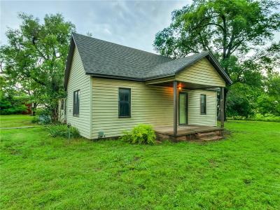 Chickasha OK Single Family Home For Sale: $100,000