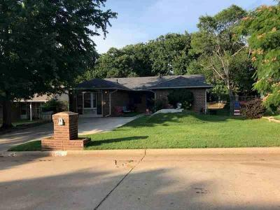 McLoud Single Family Home For Sale: 496 Harris Drive