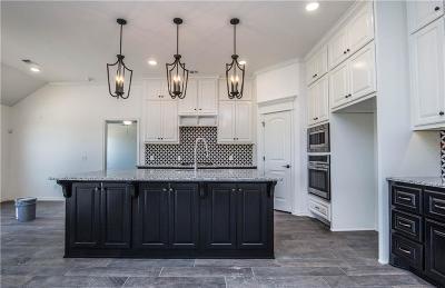 Yukon Single Family Home For Sale: 2413 Wyatt Way